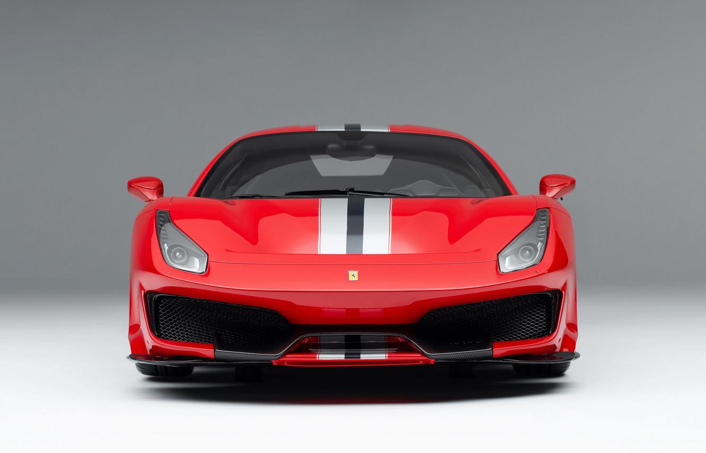 Avant de la Ferrari 488 Pista Amalgam à l'échelle 1/8