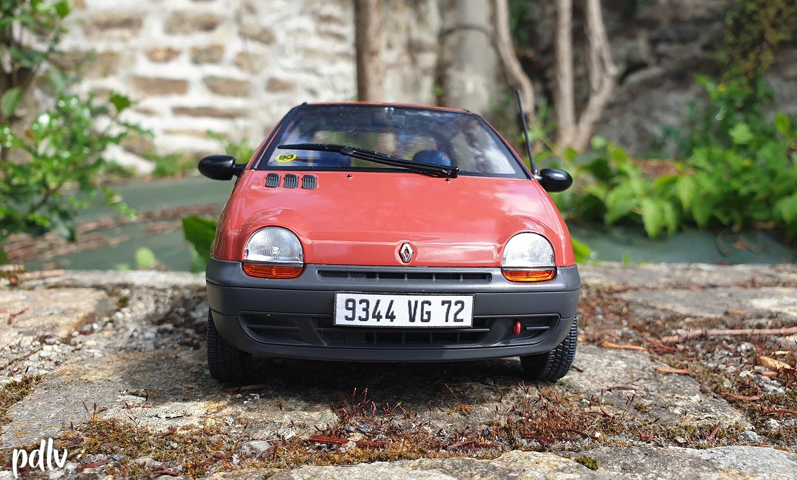 Avant de la Renault Twingo 1 Solido
