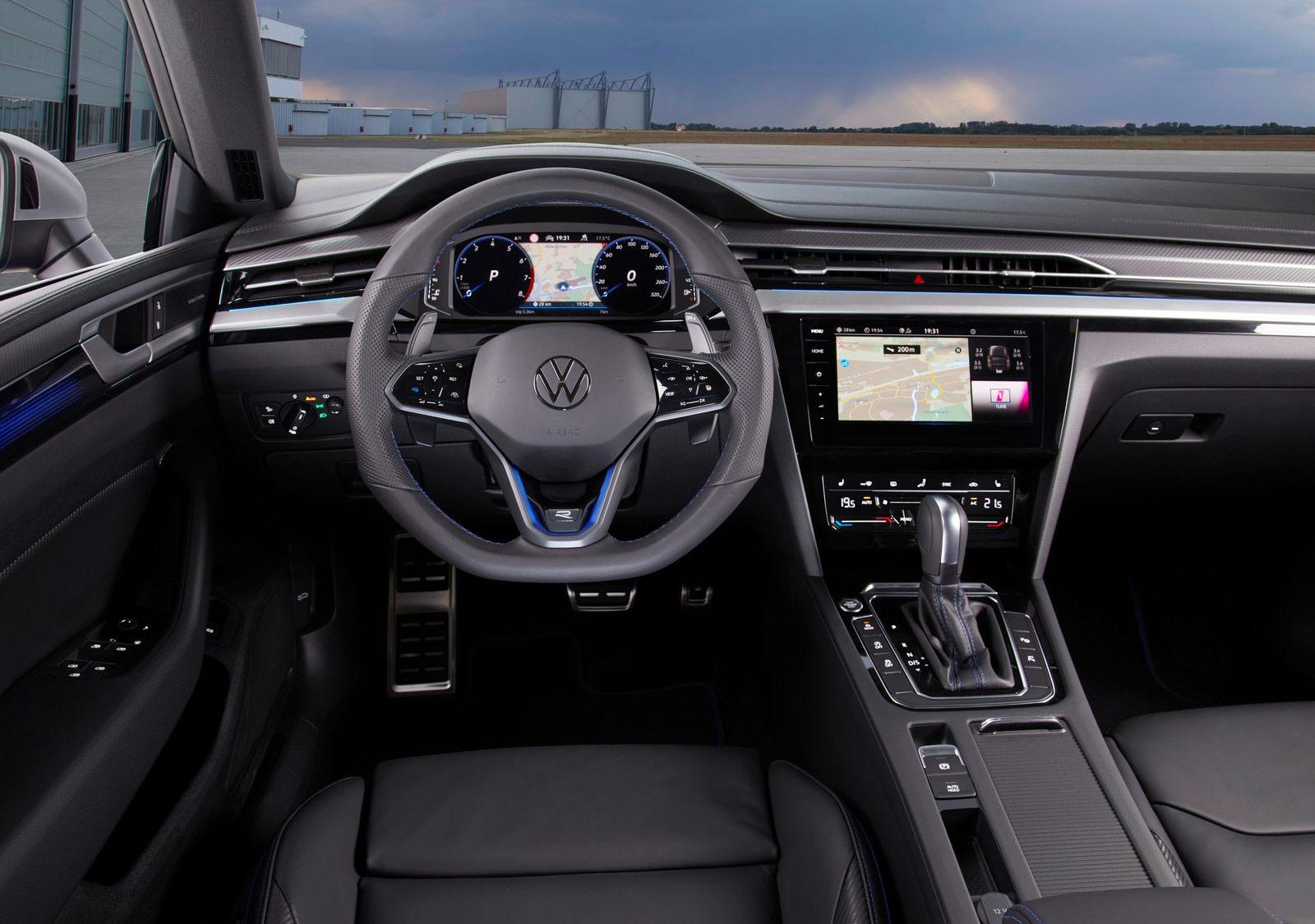 Volkswagen Arteon R volant