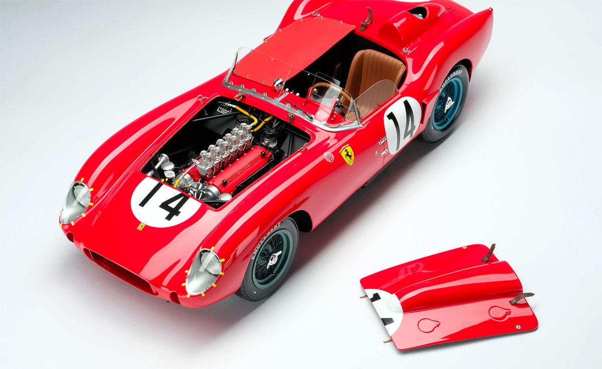 Ouvrants de la Ferrari 250 TR Amalgam au 1/18