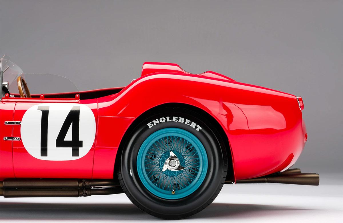 Jante arrière de la Ferrari 250 TR Amalgam au 1/18