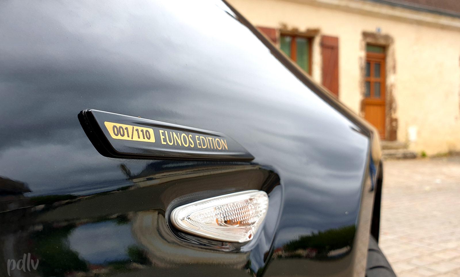 Badge numéroté Eunos Edition