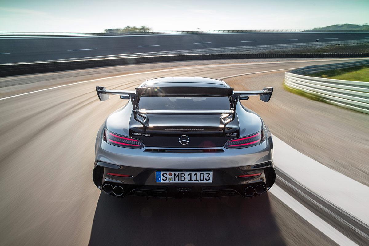 Vue arrière de la Mercedes AMG GT Black Series