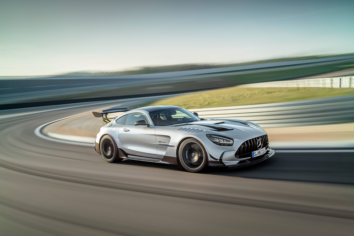 Mercedes AMG GT Black Series sur circuit