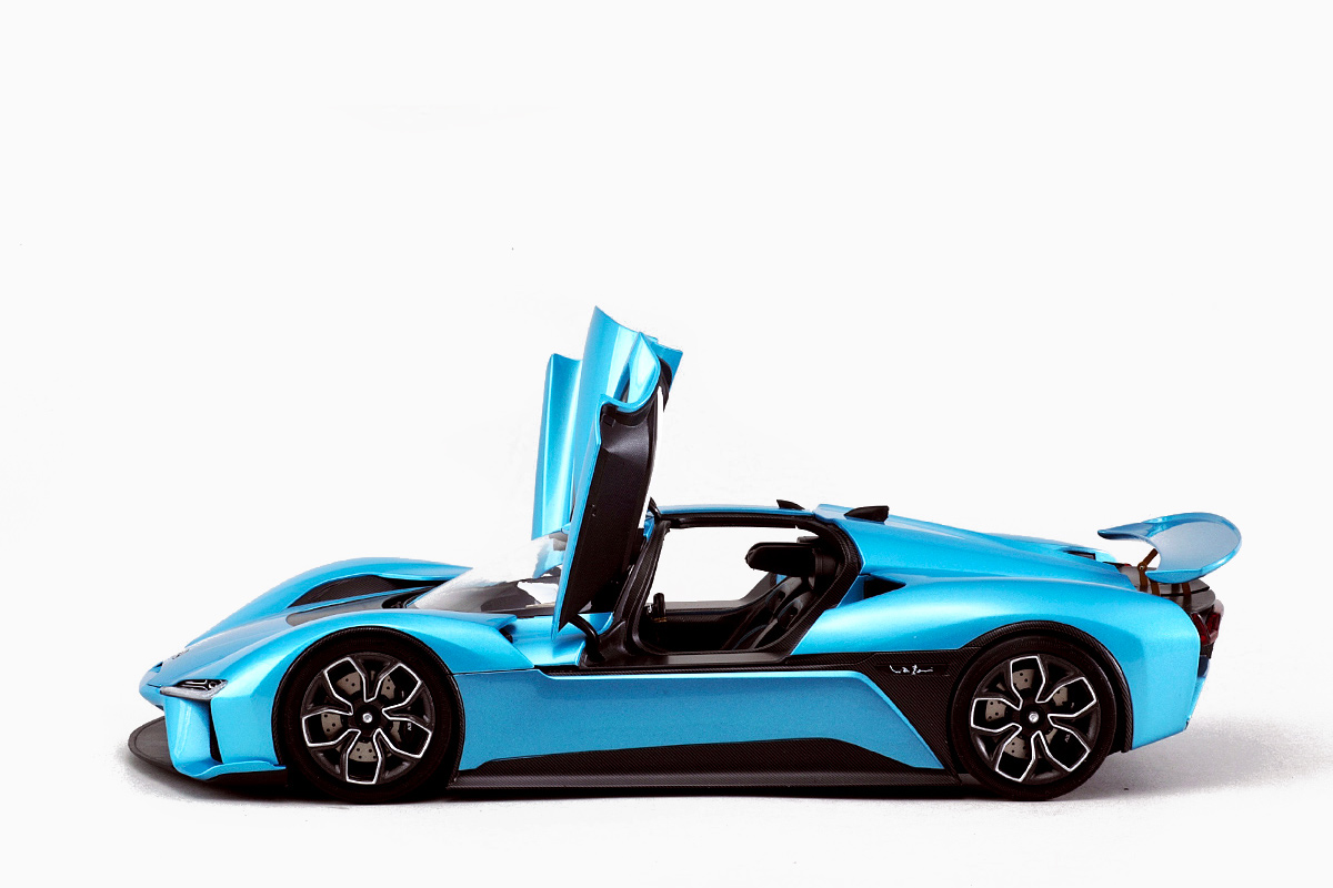 1/18 NIO EP9 Almost Real Models porte ouverte