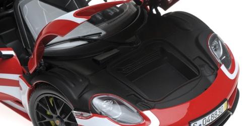 1/18 Porsche 918 Spyder Minichamps ouvrants