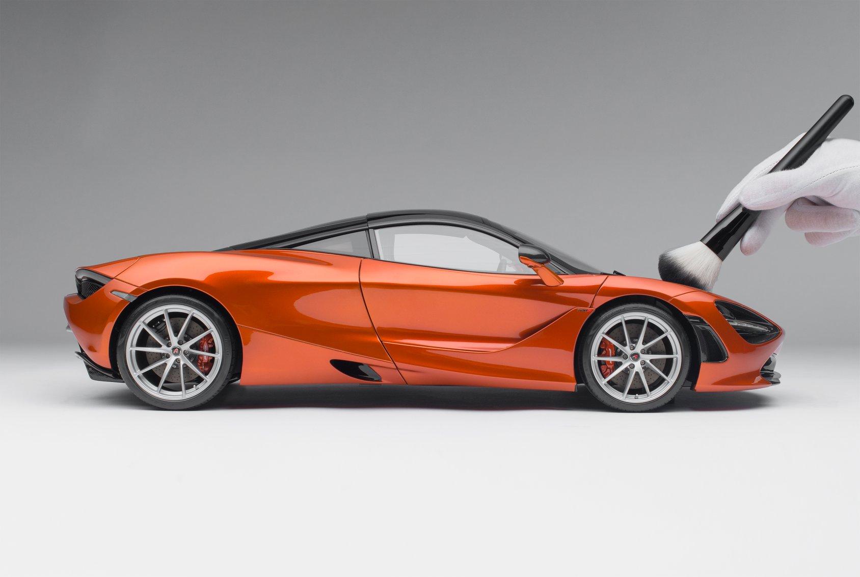 1/8 McLaren 720S Amalgam profil