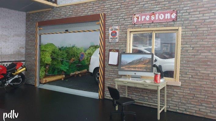 Diorama garage bureau