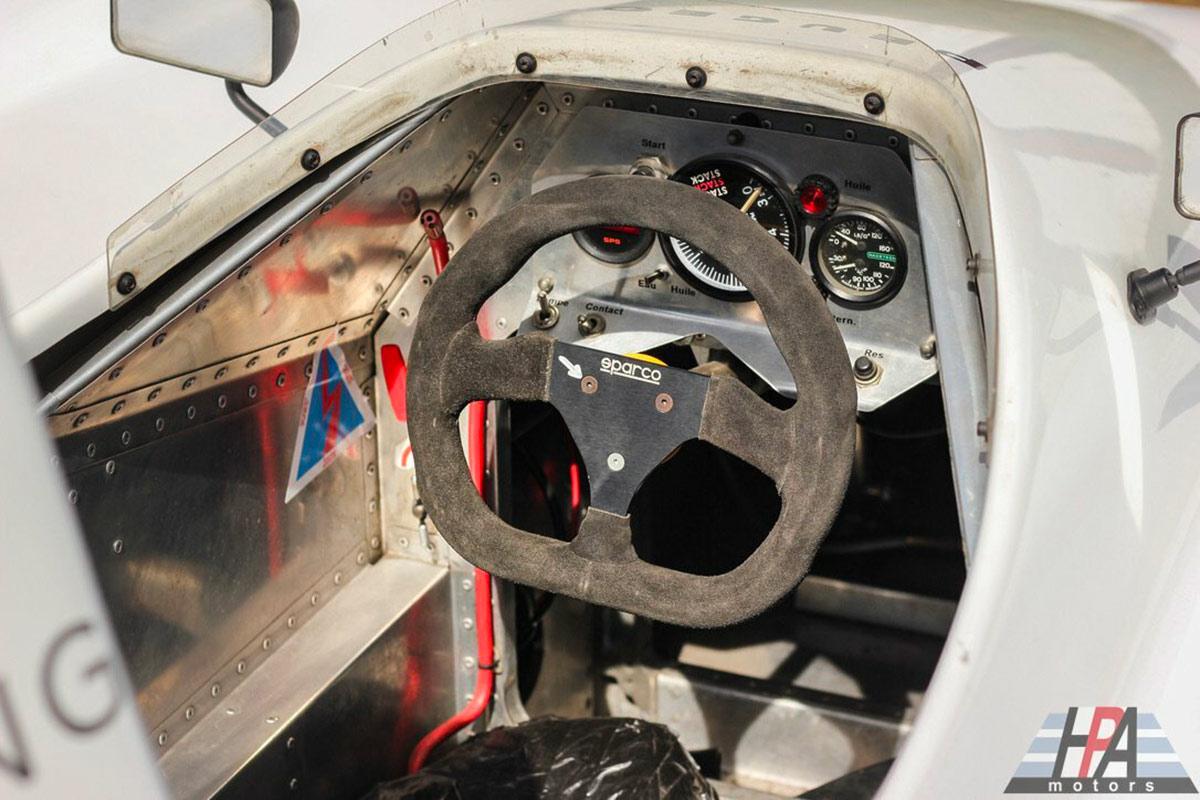 Peugeot 905 Spider cockpit