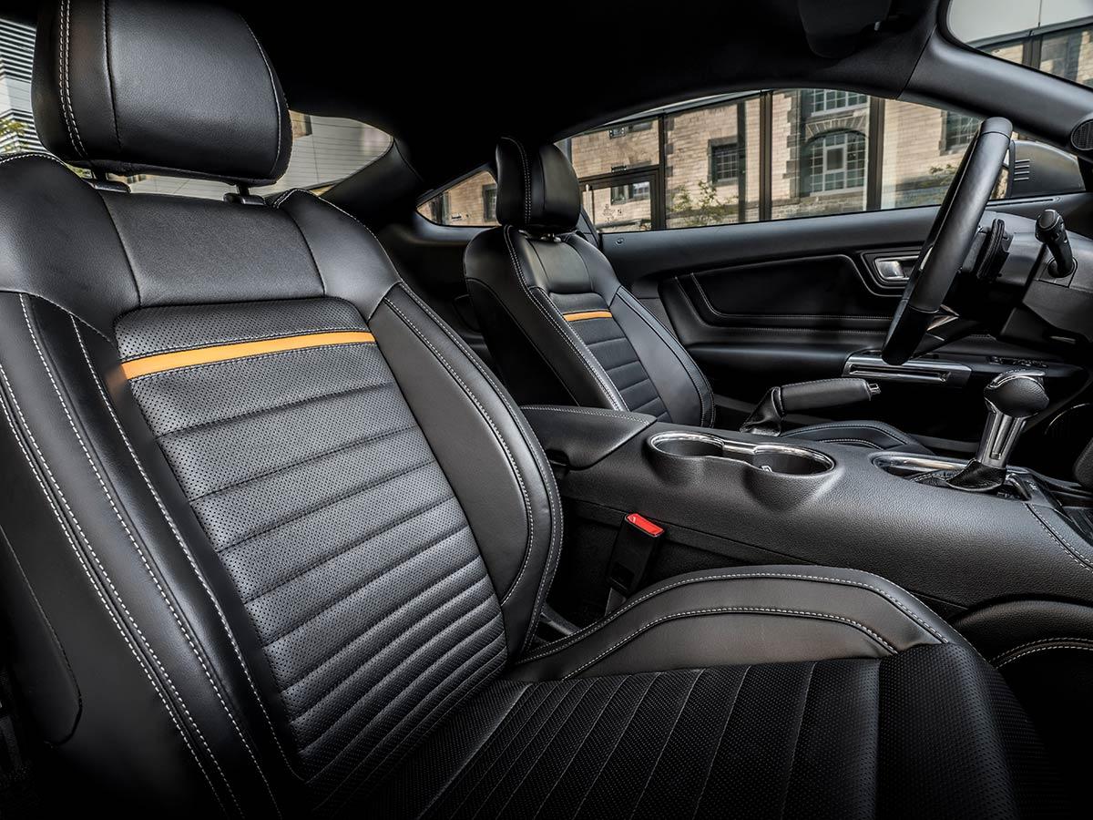 Ford Mustang Mach 1 intérieur