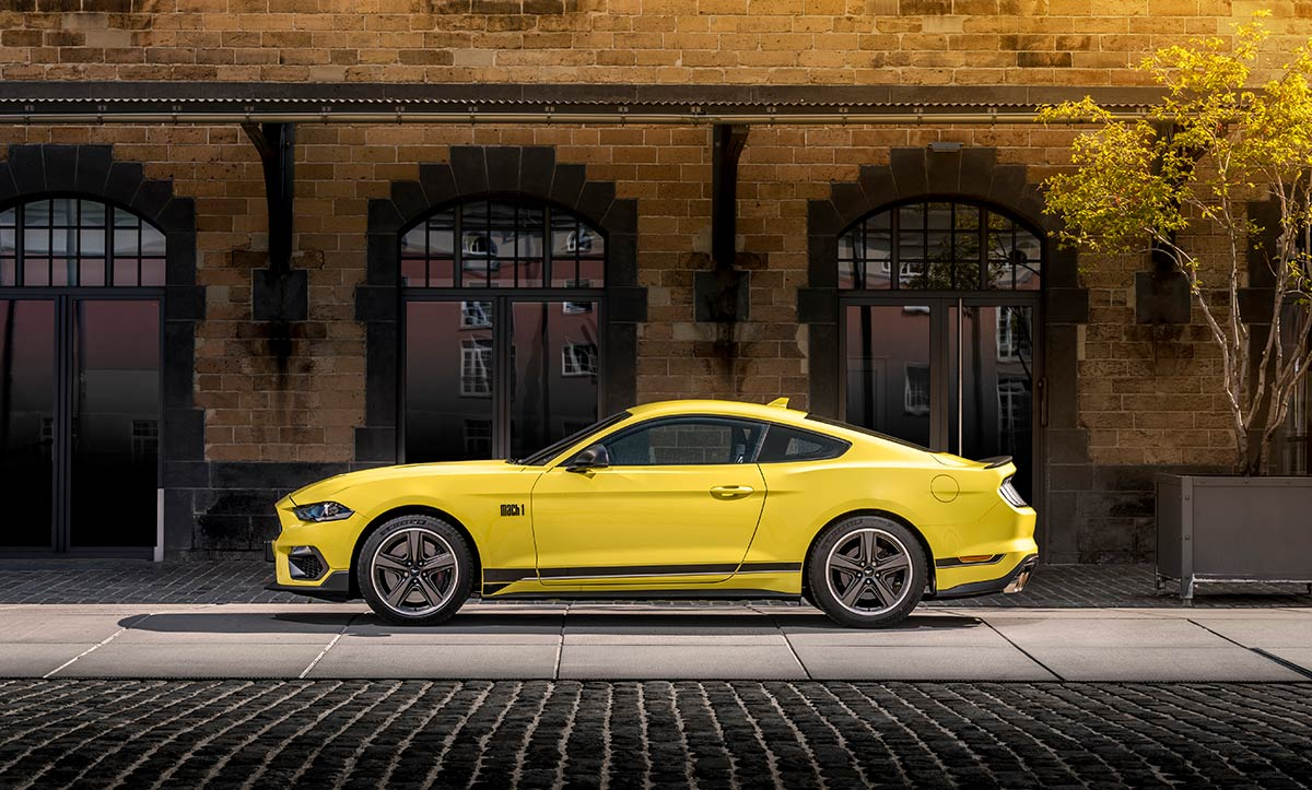 Profil Ford Mustang Mach 1