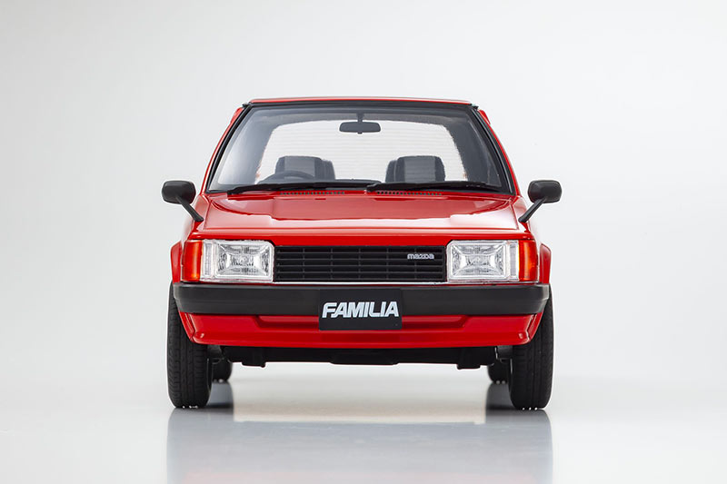 1/18 Mazda Familia Kyosho avant