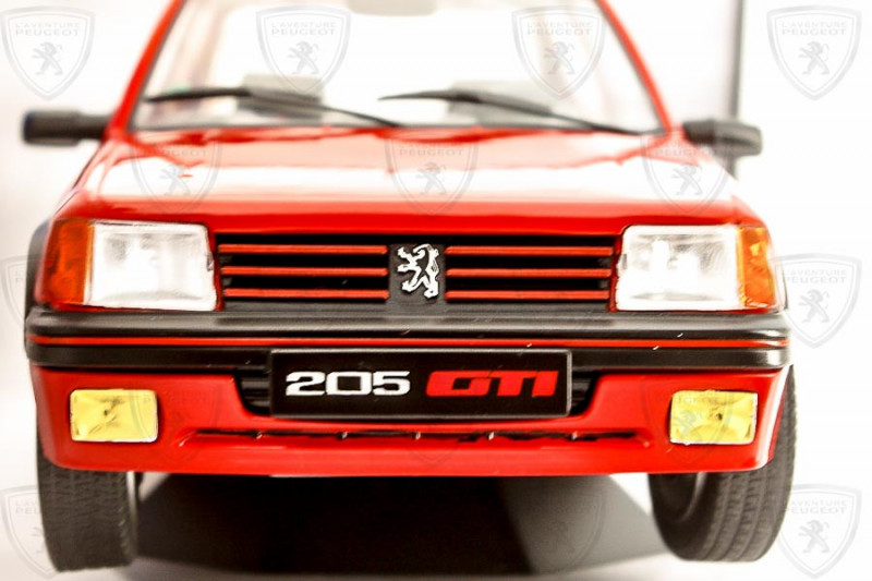 1/18 Peugeot 205 GTI Solido