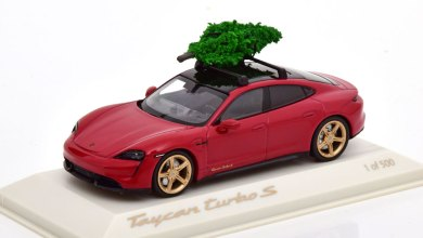 1/43 Porsche Taycan Turbo S Christmas