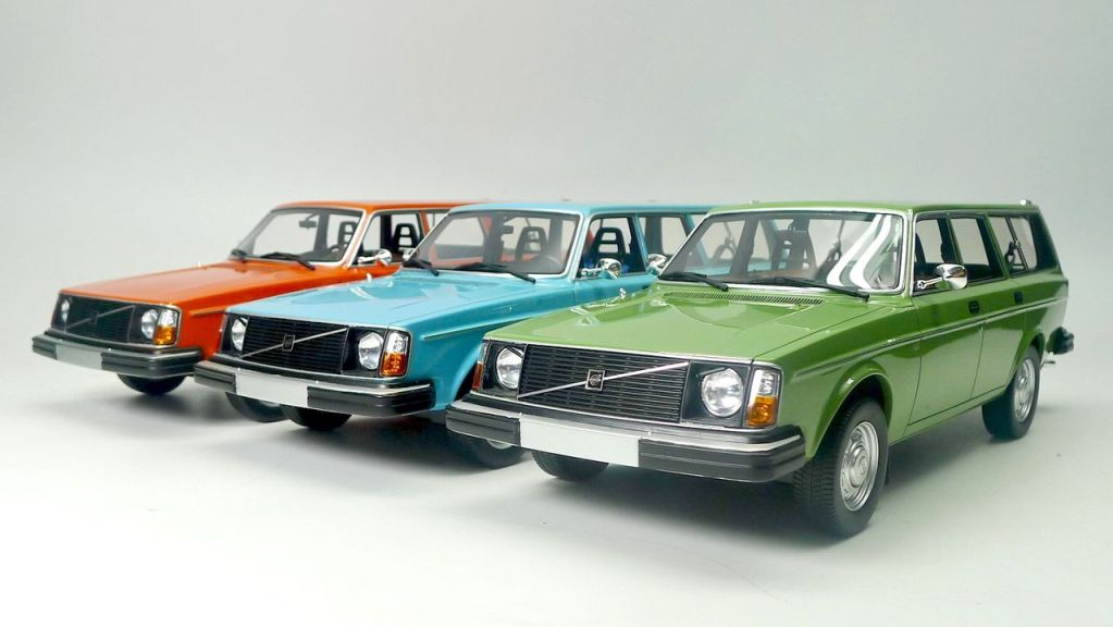 1/18 Volvo 245 DL DNA