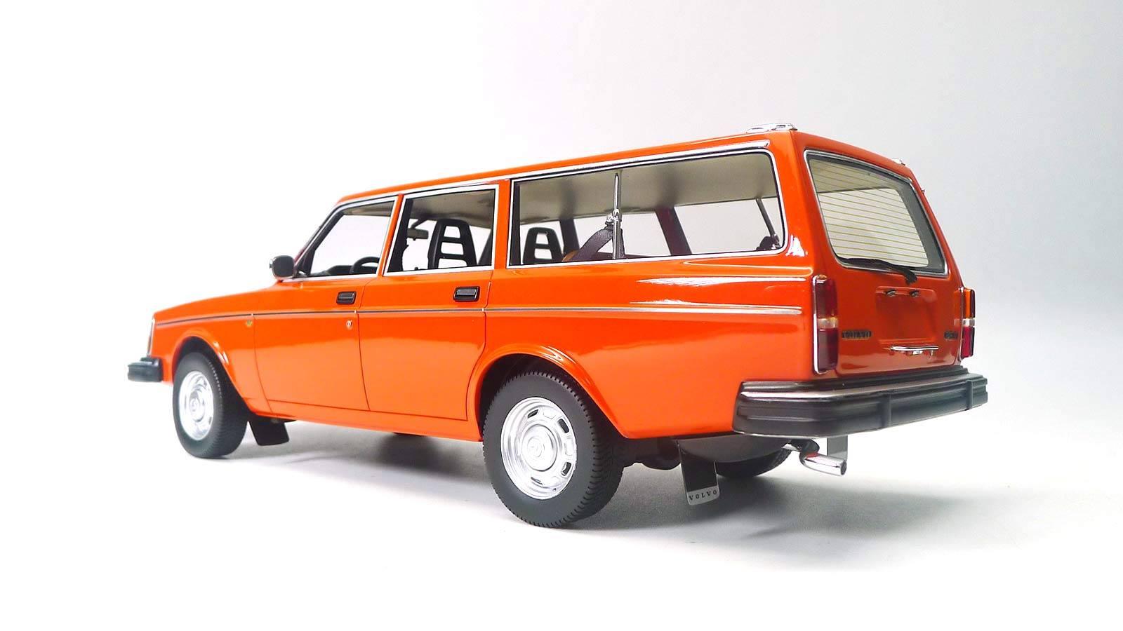 DNA000080 Volvo 245 DL Orange