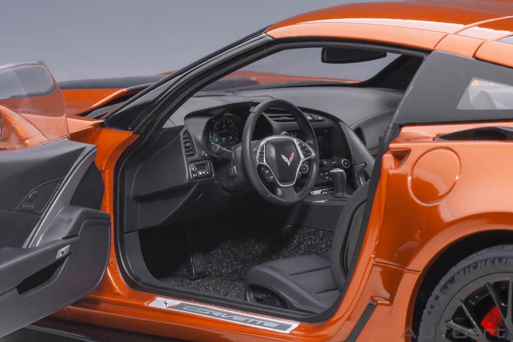 71259 Corvette C7 Z06 AUTOart intérieur