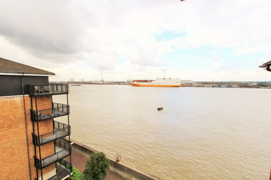 2 Bedroom Apartment To Rent Baltic Wharf Clifton Marine