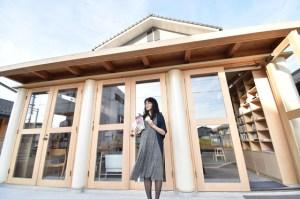 """혼자 후쿠시마에 간 작가 유미리 """"그들의 슬픔이 스며 들었다"""""""