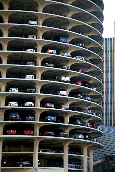 400px-Chicago_ILL_River_North_Marina_city_1964_1