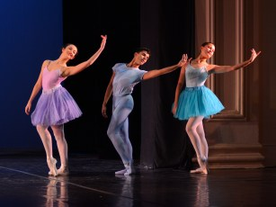 A Light Exists in Spring, Choreography by Durante Verzola; Image: Paul Wegner