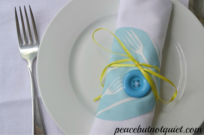 Four different, simple sewing projects for embellishing napkins!