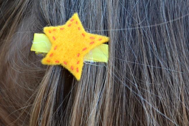 easy Christmas hair clips craft