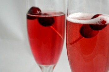 Cranberry Cocktail: Festive Cranberry Sparklers