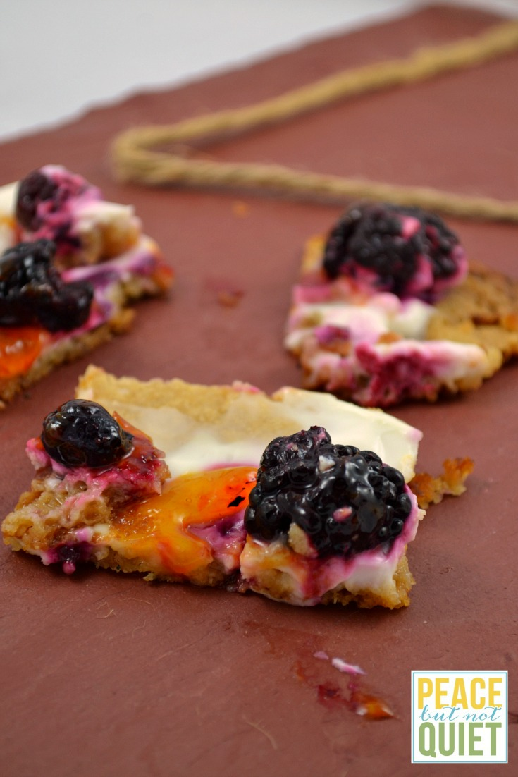 These yogurt fruit tarts are delicious, and pretty healthy for you, too!