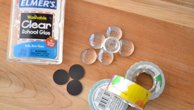 kids can make their own magnets for locker decorations or just for fun!