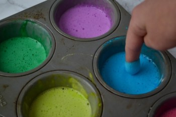 Make your own bath paints for hours of fun