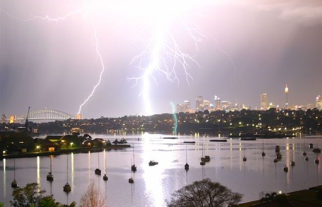 storm-over-sydney-2-1507873-638x425