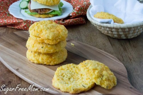 Low Carb Italian Herb and Cheese Sandwich Buns