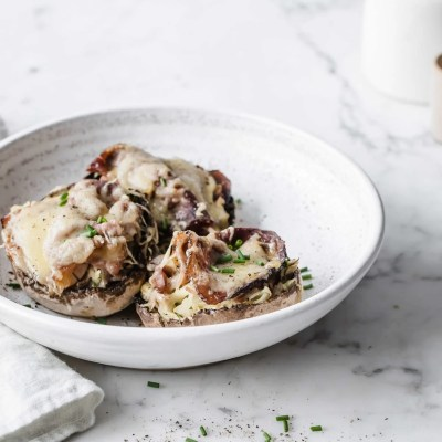 Keto Reuben Stuffed Mushrooms | Peace Love and Low Carb