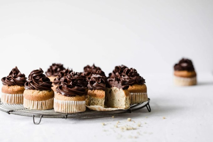 These Keto Vanilla Cupcakes with Chocolate Buttercream Frosting are the perfect healthy treat. They are low carb, gluten free, and sugar free. | Peace Love and Low Carb