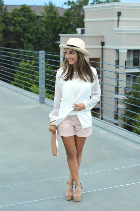 380de332eb7 Snow Light Blazer    Nude Wedges    Panama Hat    Pink Shorts    Glass Tank  Top    Clutch