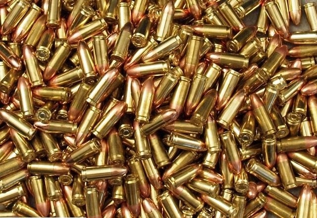1533648_01_bulk_9mm_brass_ammo_640