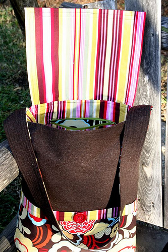 Finished Object - Mischievous Gnome Messenger Bag (3/5)