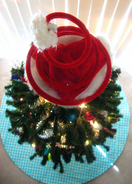 Finished Object: Amy Butler Tree Skirt (3/6)