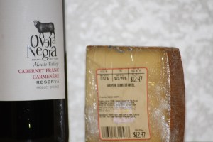 Review: 2012 Oveja Negra Carbenet Franc Carmenere and Gruyere Cheese