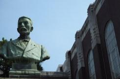 statue #2