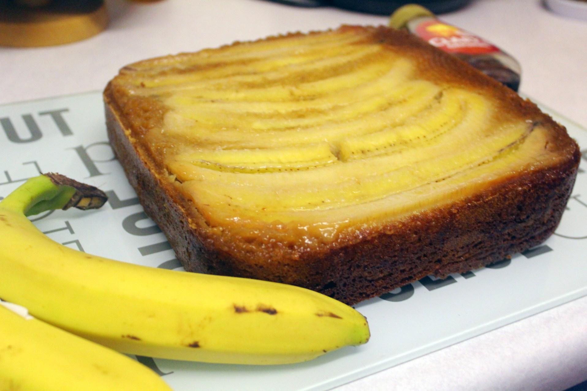 Upside banana and maple cake
