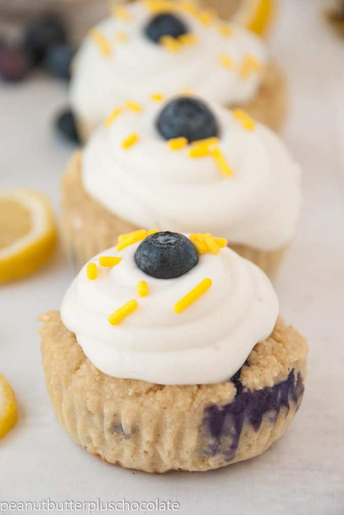 blueberry-lemon-cupcakes2