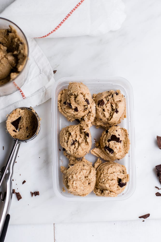 Healthy Edible Chocolate Chunk Cookie Dough (gluten-free & refined sugar-free!)