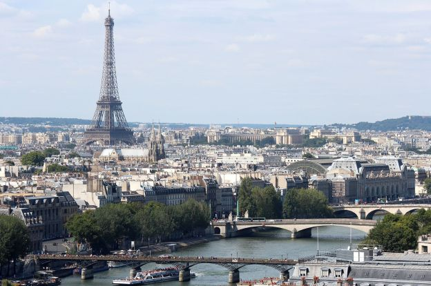 Paris - PeanutGallery247