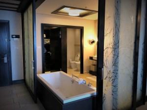 Zimbali Resort Review - Bath - PeanutGallery247