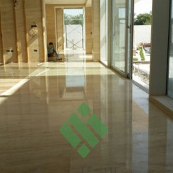 Clear-marble-and-tiles052
