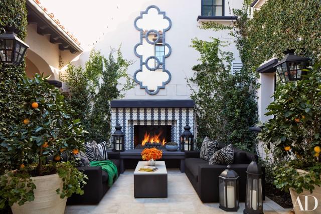 khloe-kardashian-home-house-inside-decpratio-architectural-digest-1-640x427