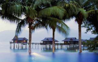 Pearl King Travel - 5 Star Pangkor Laut Malaysia Offer