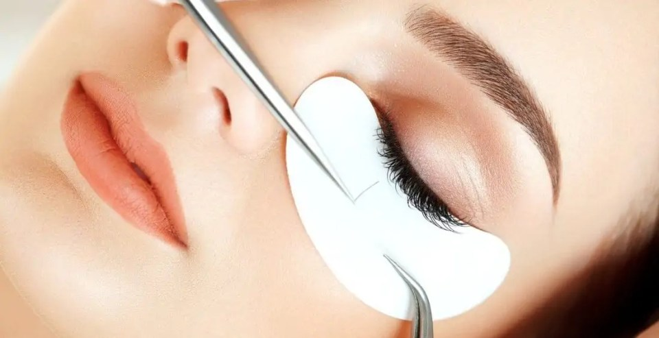 Classic Eyelash Extension Training